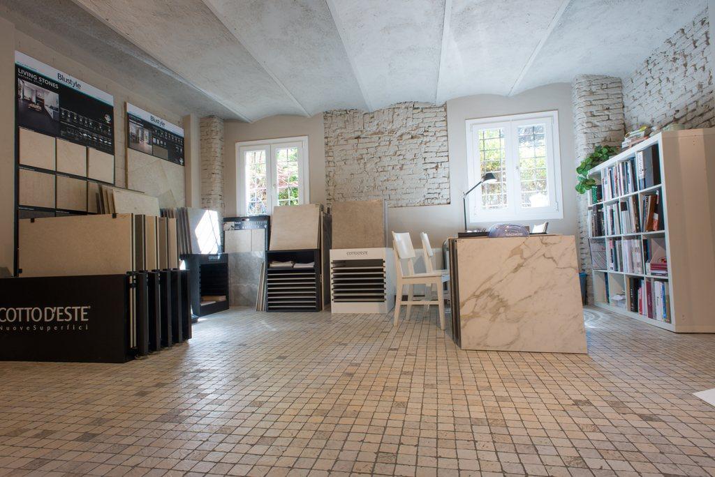 SHOWROOM CHELLI - PARQUET PAVIMENTI RESINE RIVESTIMENTI Bologna