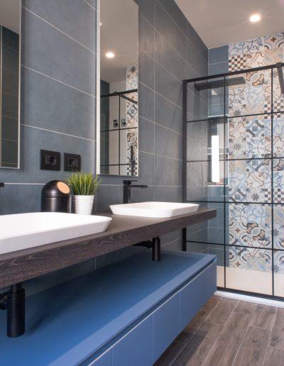 Chelli - Progetti realizzati - bagno blu
