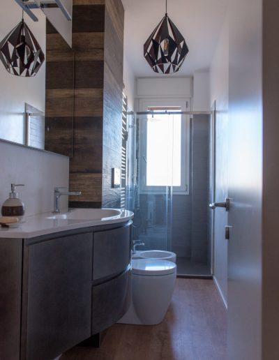 Chelli - Progetti Realizzati - Bagno Contaminazione legno